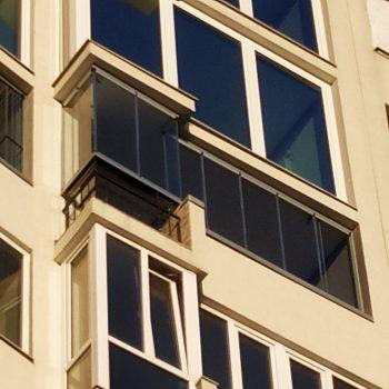 панорамне балкон засклити безрамний